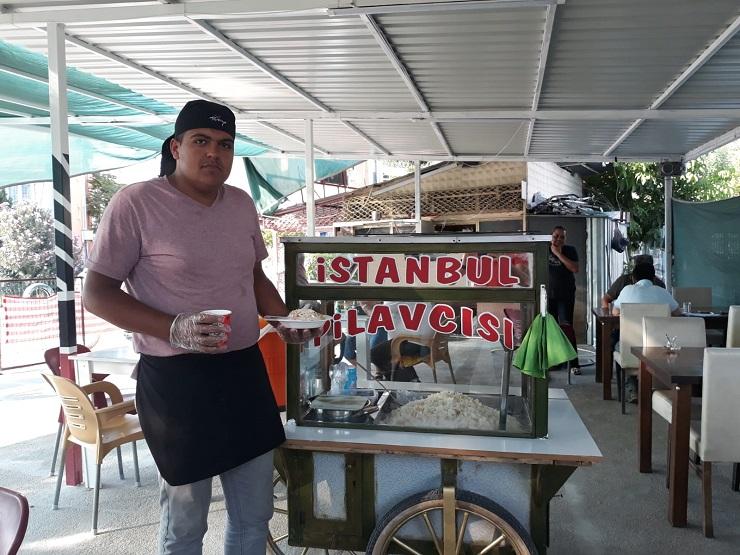 Dinar İlçemizde İstanbul Pilavcısı Hizmete Girdi
