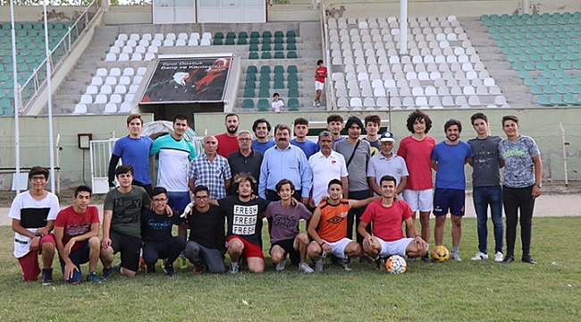 Başkan Sarı Dinar Belediye Spor Antrenmanına Katıldı