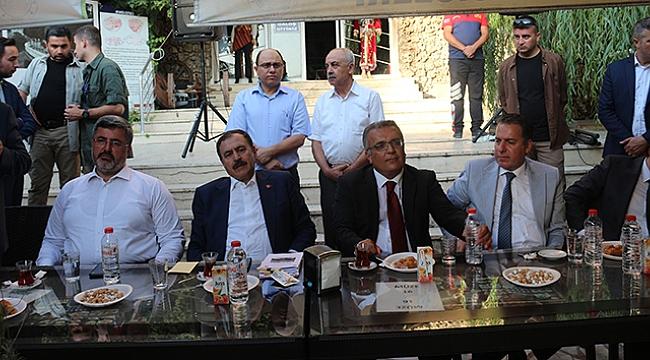 Dinar'da Kurban Bayramı Bayramlaşma töreni