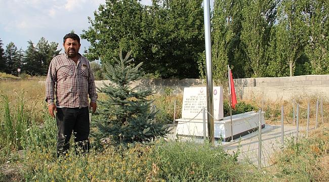 Dinar'da Şehit Mezarlık Yolu Temizlenmeli