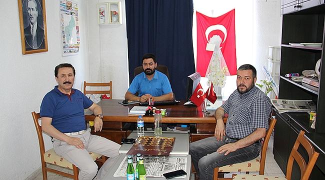 Dinar'ın Efsane Başkanı Mustafa Tarlacı Gündem Gazetemizi Ziyaret Etti
