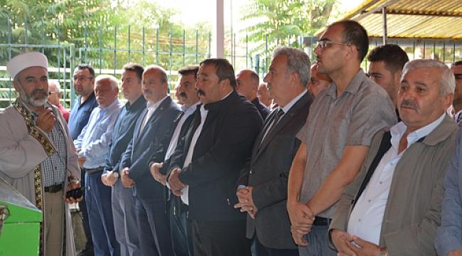 MHP Dinar İlçe Bşk. Mustafa Karahan'ın Abisinin Cenaze Törenine Büyük Katılım