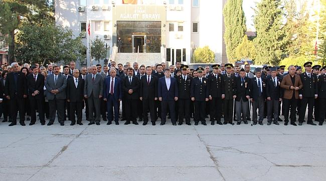 Dinar'da 10 Kasım Çelenk Koyma Programı