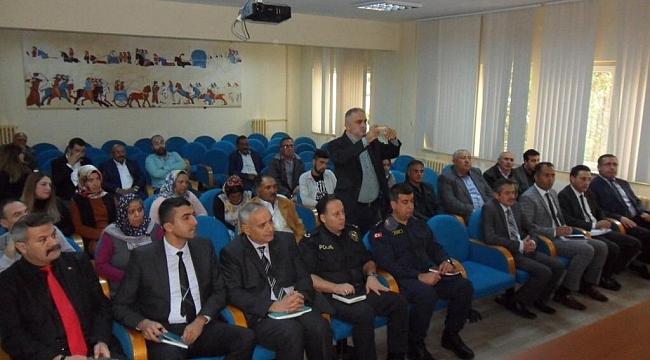Dinar'da Halk Günü Toplantısı Yapıldı