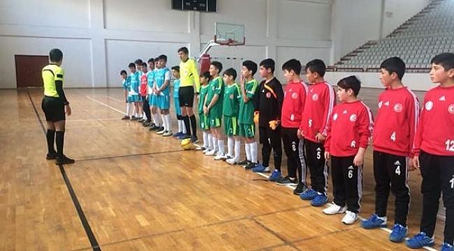 Dinar'da Futsal Müsabakalarına başladı
