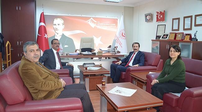 Dinarlı Hemşerimiz Sayın Mustafa Tarlacı Afyonkarahisar İl Müdürü Yasin Evcin'i Ziyaret Etti