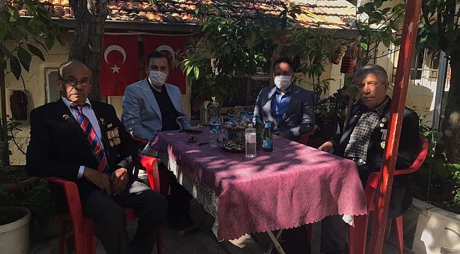 Dinar Kaymakamı Selami Kapankaya'dan Hasan Ceylan ve Cengiz Kartal'a Bayram Ziyareti