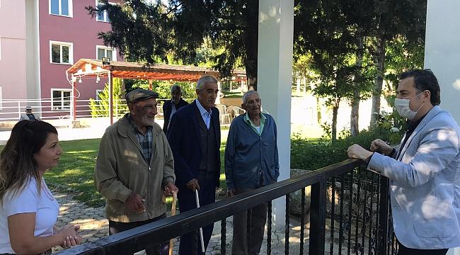 Dinar Kaymakamı Selami Kapankaya'dan Hastaneye ve Huzur Evine. Bayram Ziyareti