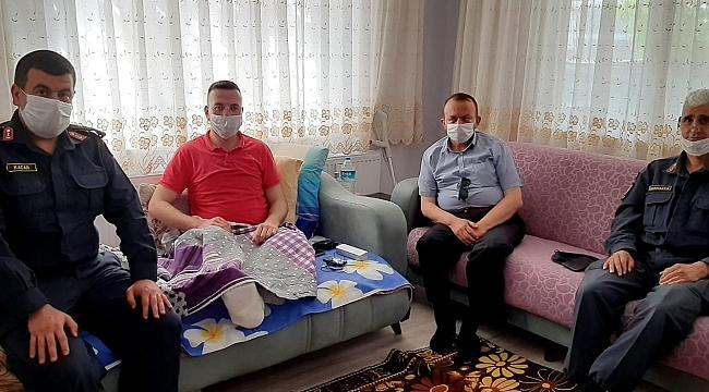 Siirt'de Yaralanan Asker Evinde Ziyaret Edildi