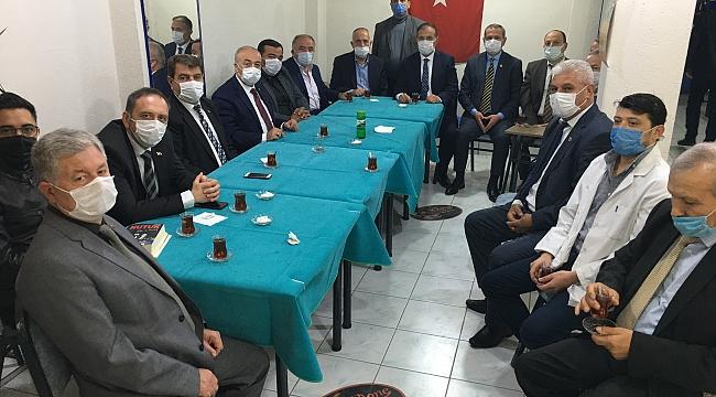 Dinar'da Başkanımız Nihat Sarı ve Ak Parti, CHP, MHP ve İYi Parti İlçe Başkanları Bir araya geldi