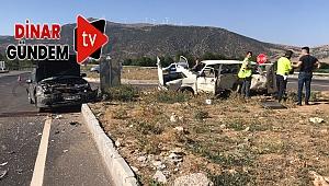 Dinar'daYeni Açılan Çivril Yolunda Kaza: 2 ağır yaralı